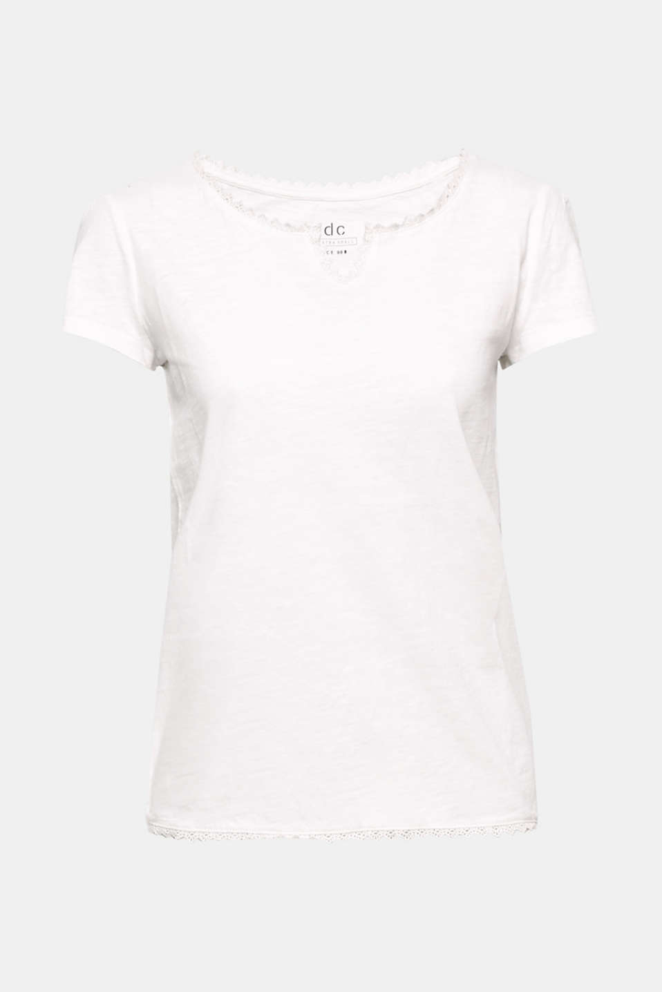 Crocheted lace piping in a coordinating colour gives this slub yarn T-shirt a touch of pretty femininity.
