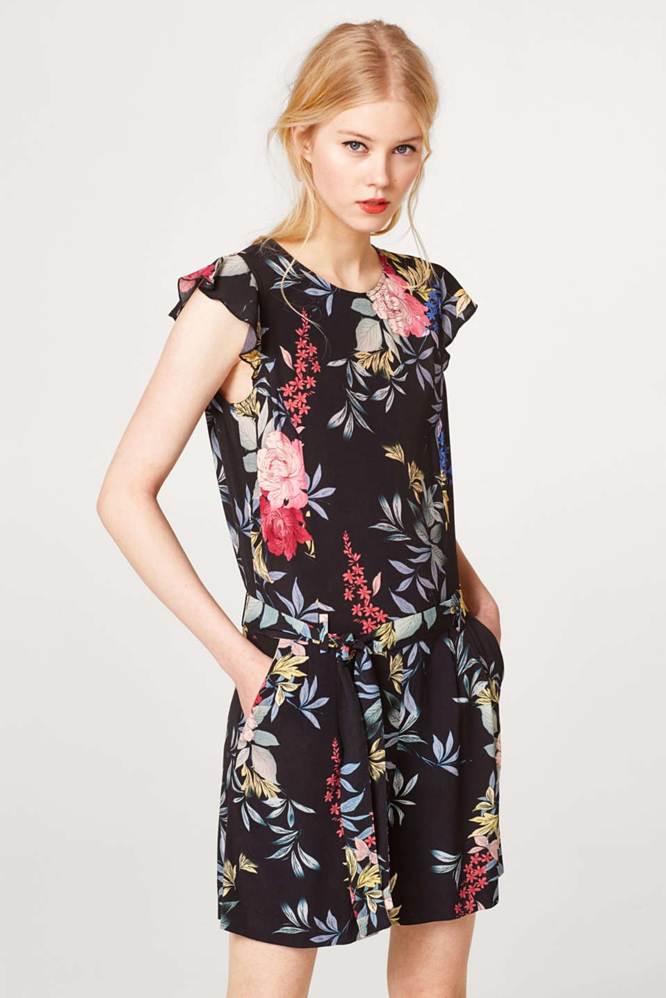 edc - Short jumpsuit with a floral print