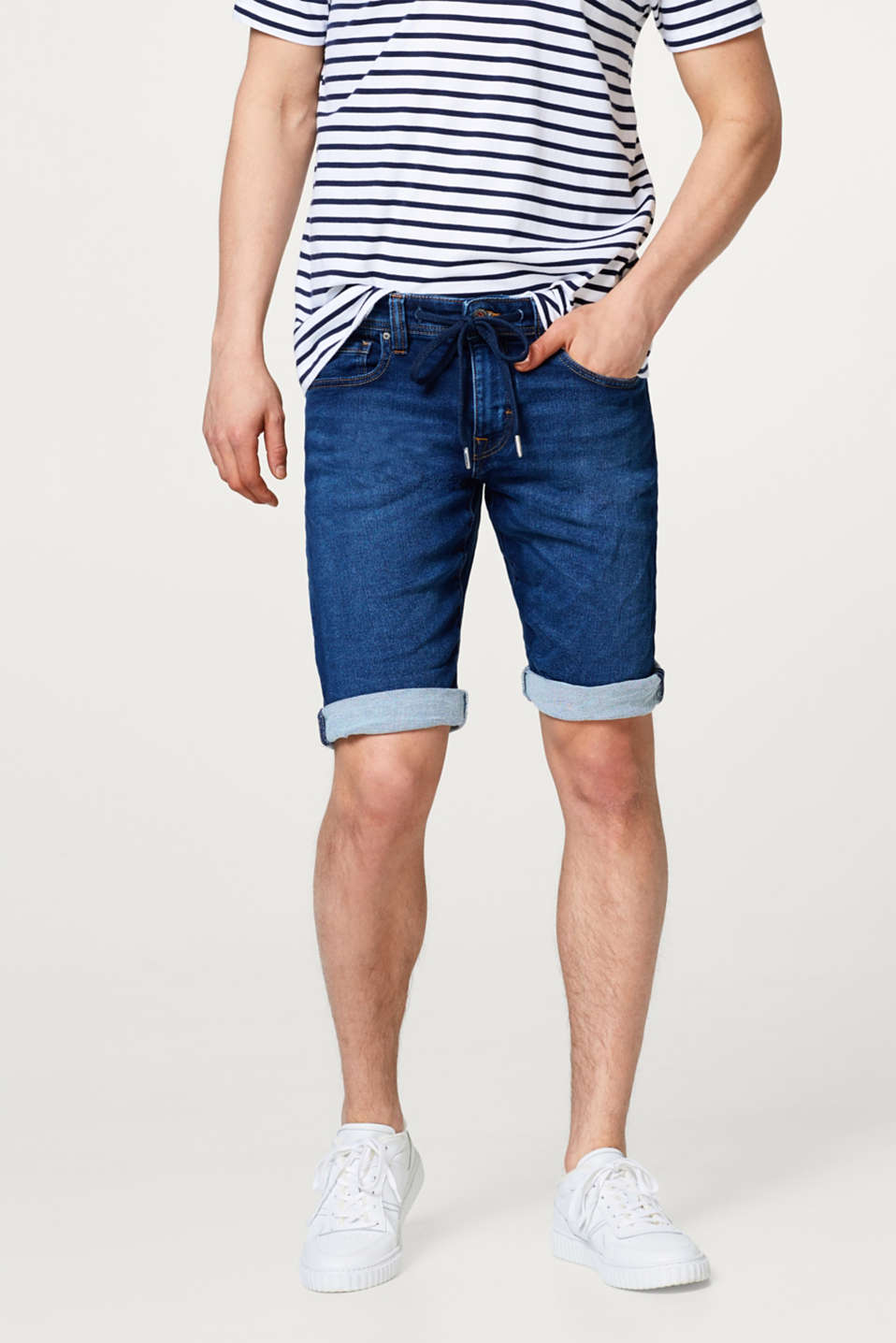 edc - Super stretchy denim shorts with garment-washed effects