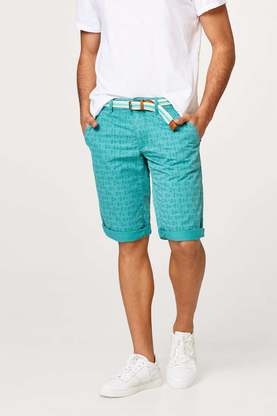 edc - Chino shorts with an all-over print and belt