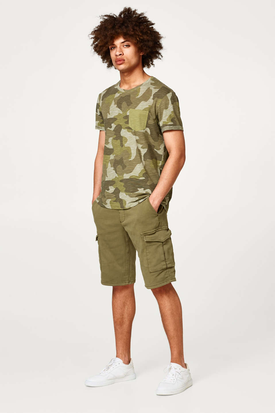 Cargo shorts with cotton