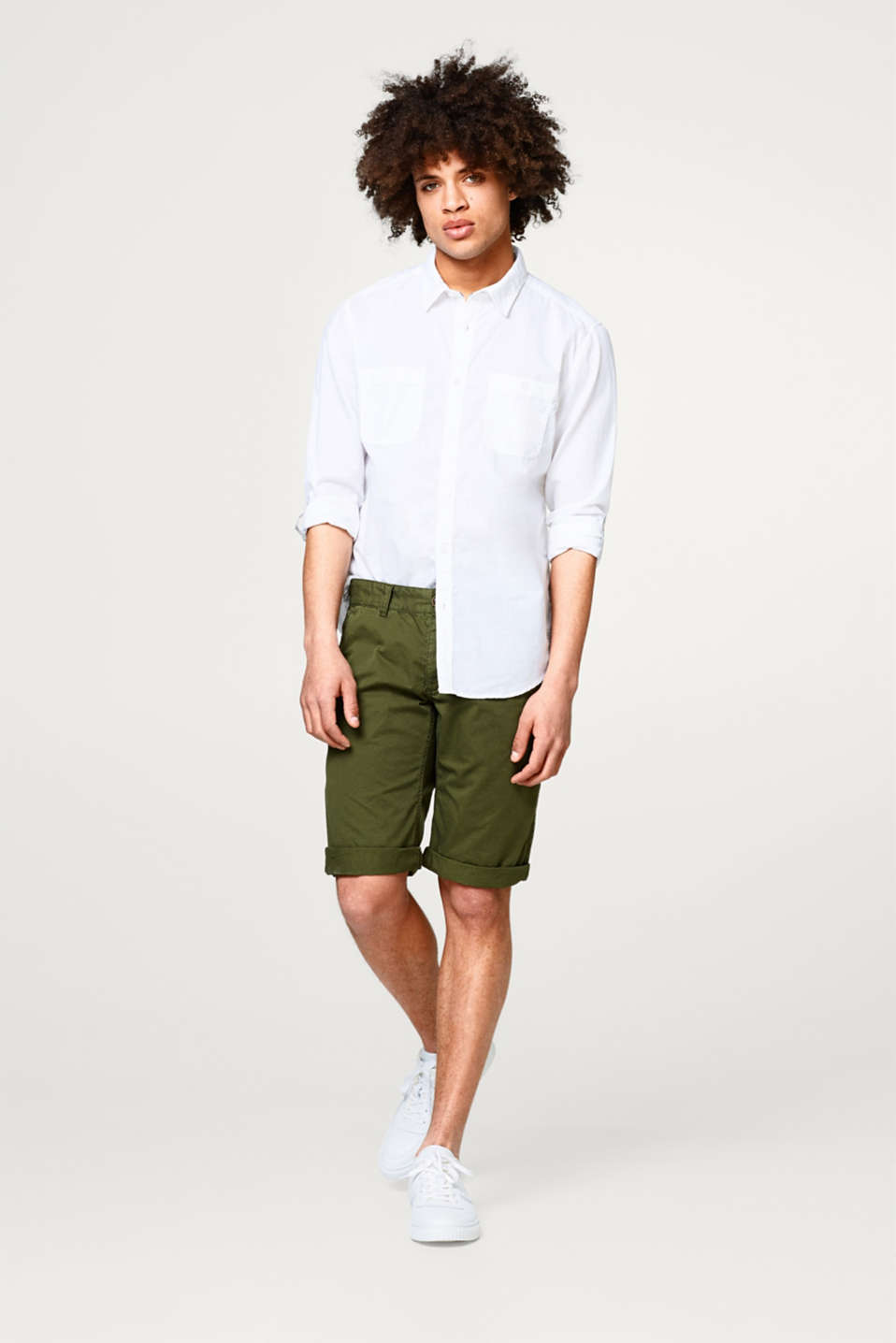 Shirt with linen and turn-up sleeves