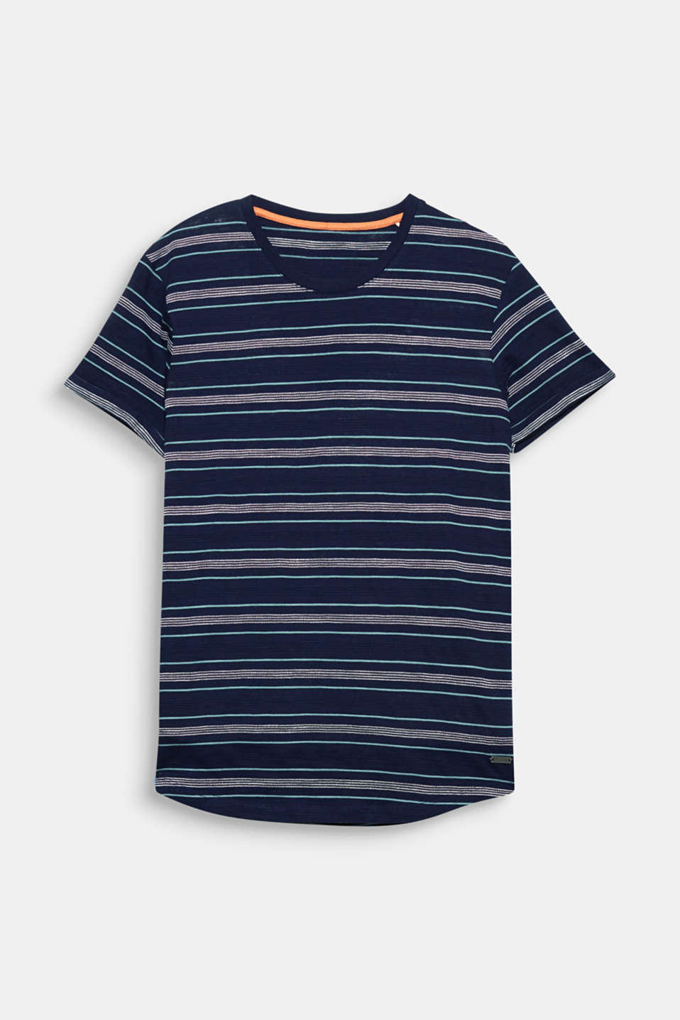The fine textured stripes give this T-shirt a fresh, sporty look.