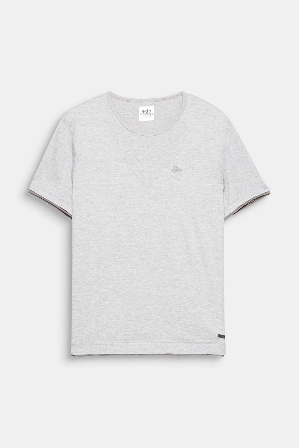 A casual basic: layer-look T-shirt made of premium organic cotton