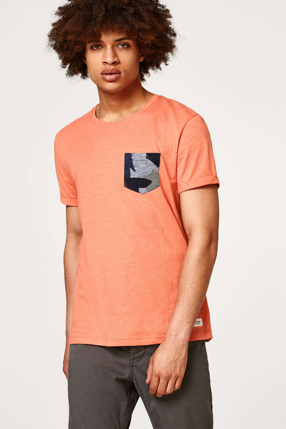 edc - Slub jersey T-shirt with a camouflage breast pocket