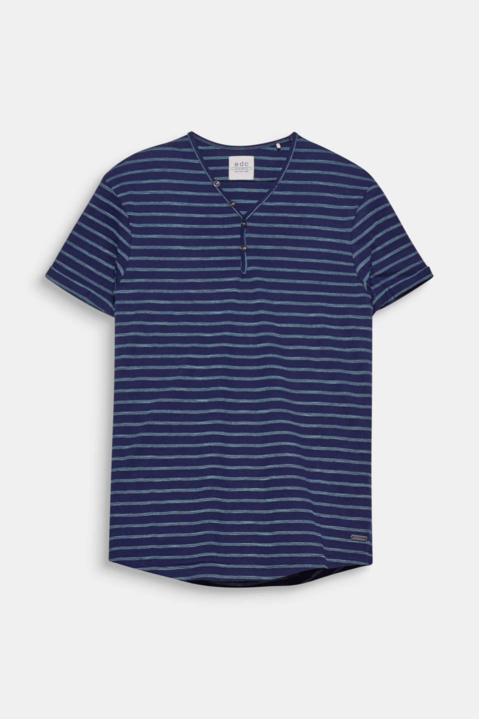 A sporty fashion basic: The textured stripes give this T-shirt a timeless look.