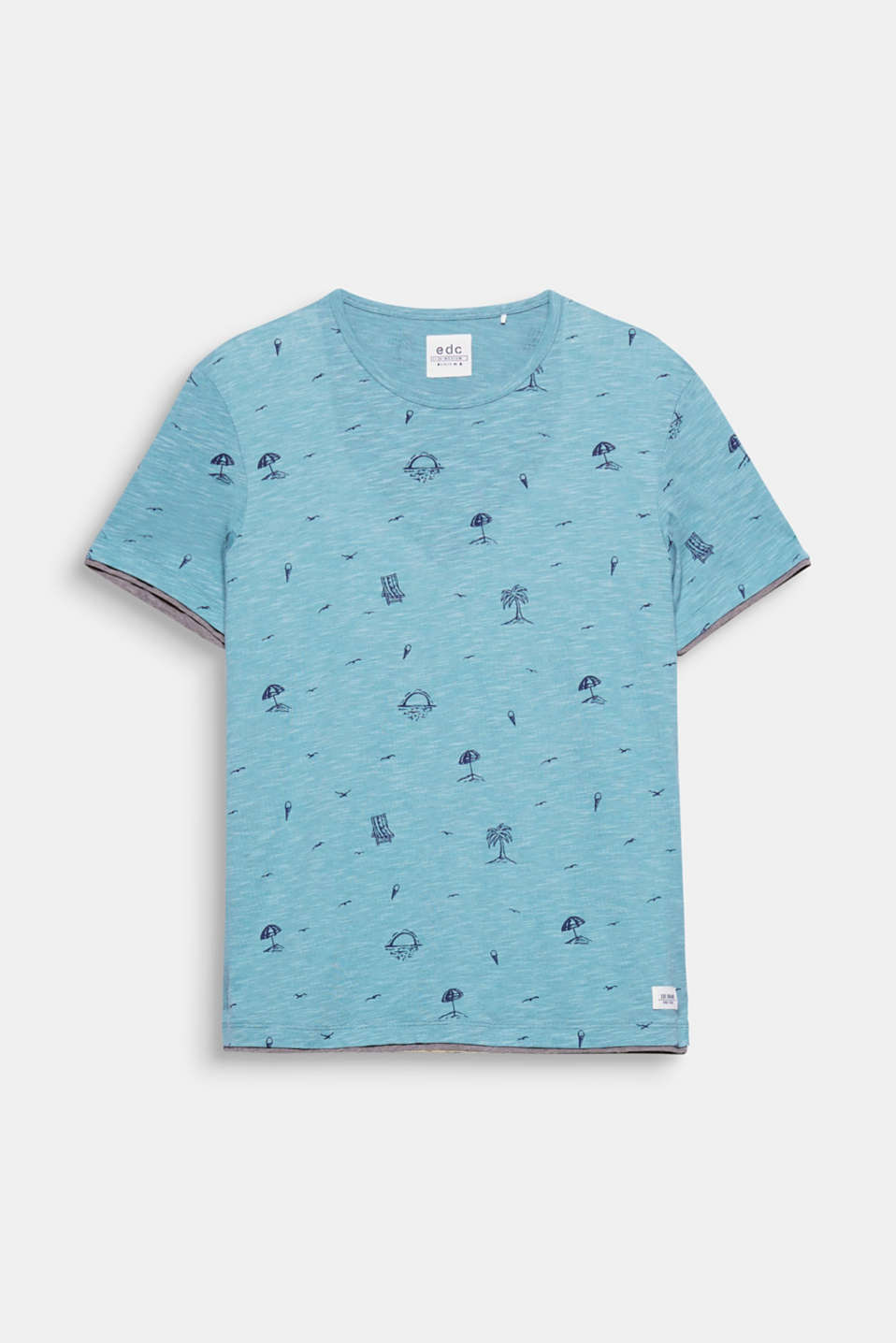 We love summer – sun, beach and ice-cream! The matching symbol prints on this T-shirt make us excited for summer.