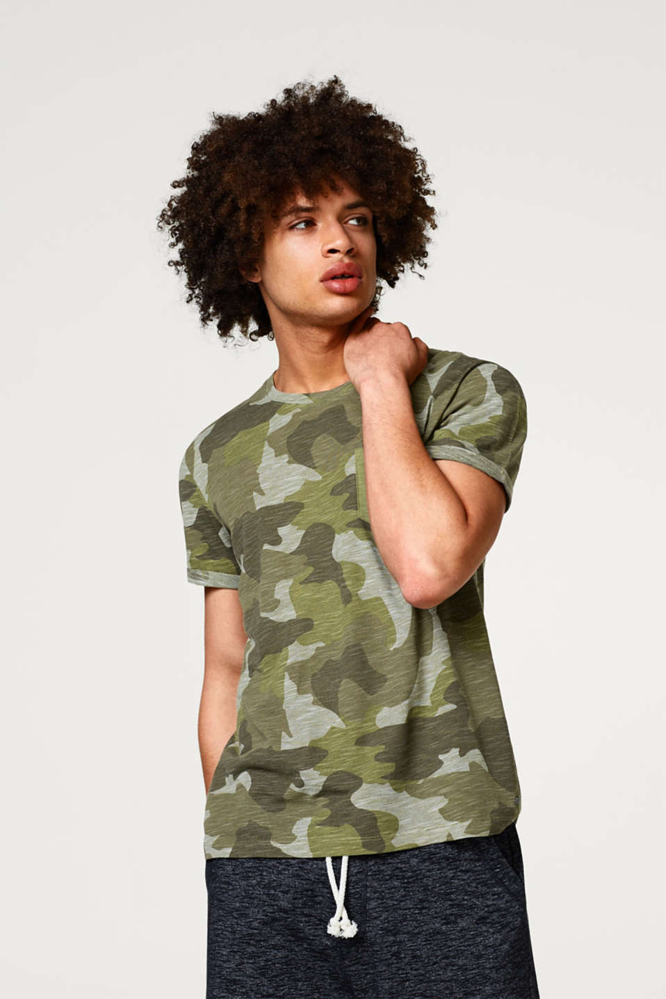 edc - T-shirt with a camouflage pattern, in slub jersey