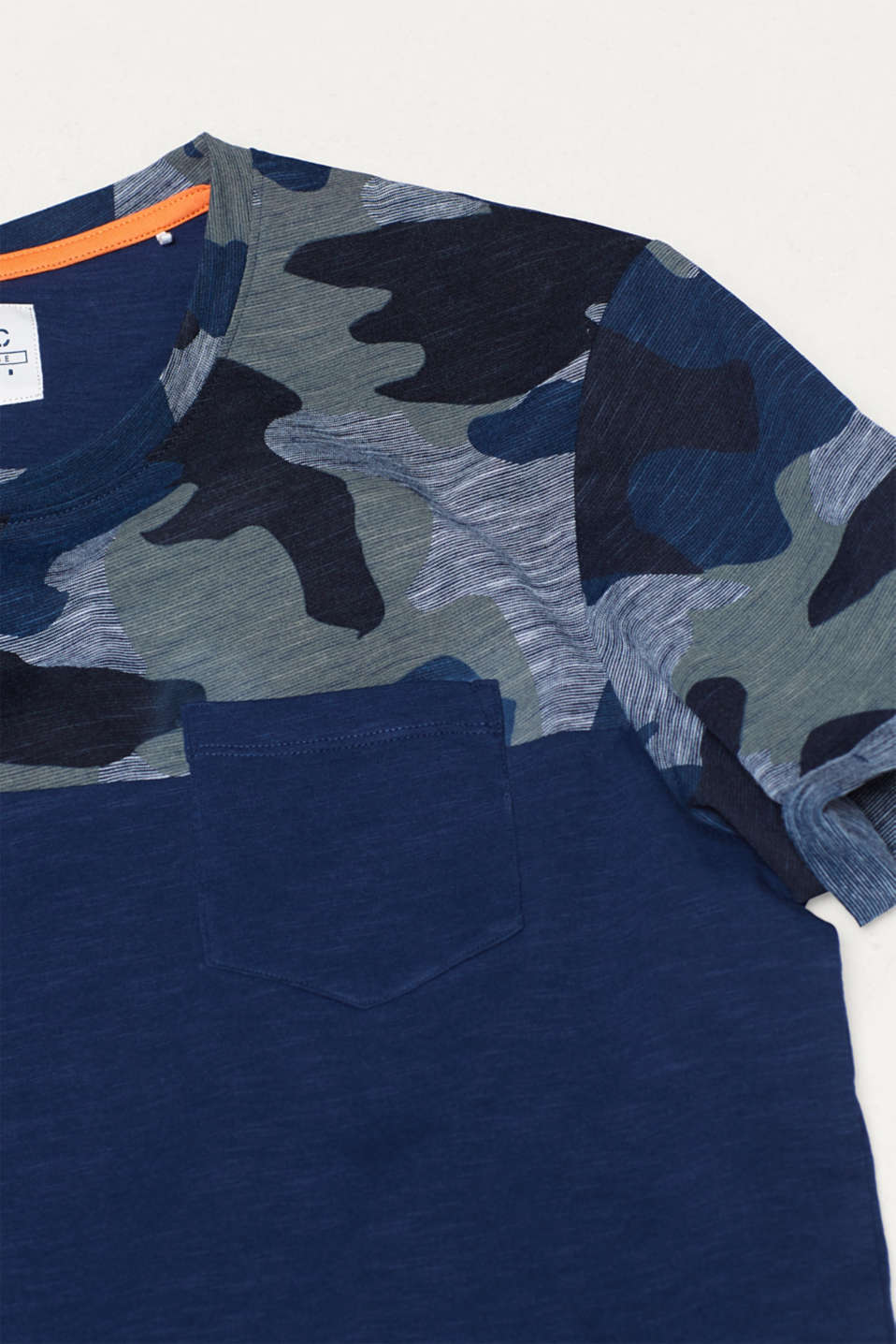 Slub jersey T-shirt with a camouflage pattern