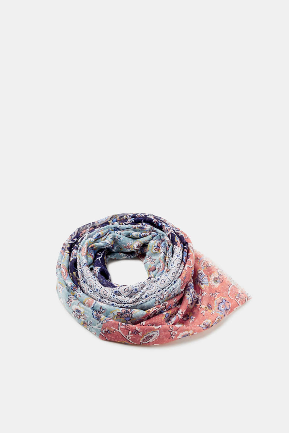 Esprit - Patchwork scarf with mixed patterns