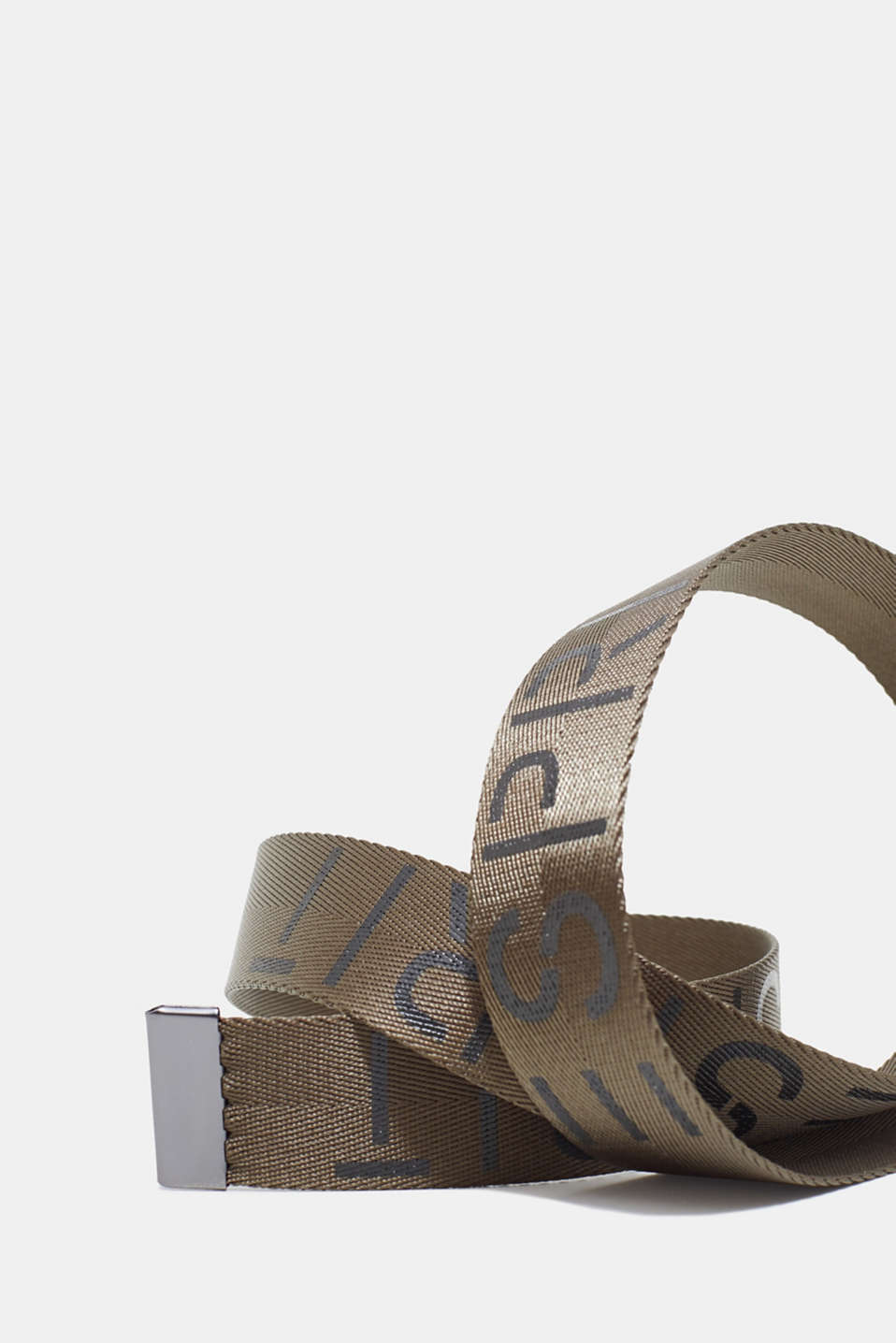 Woven belt with logos and plaque buckle