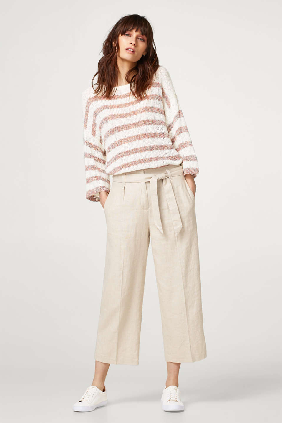 Cropped trousers made of glittering blended linen