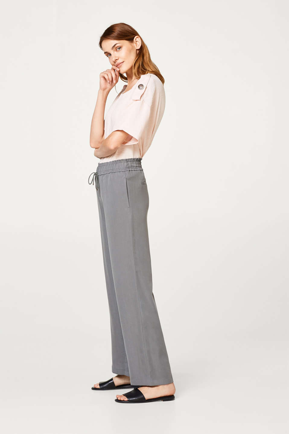 Esprit - Flowing palazzo trousers with an elasticated waistband