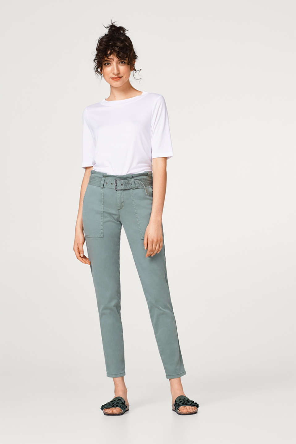Esprit - Soft paper bag trousers with a belt and added stretch for comfort