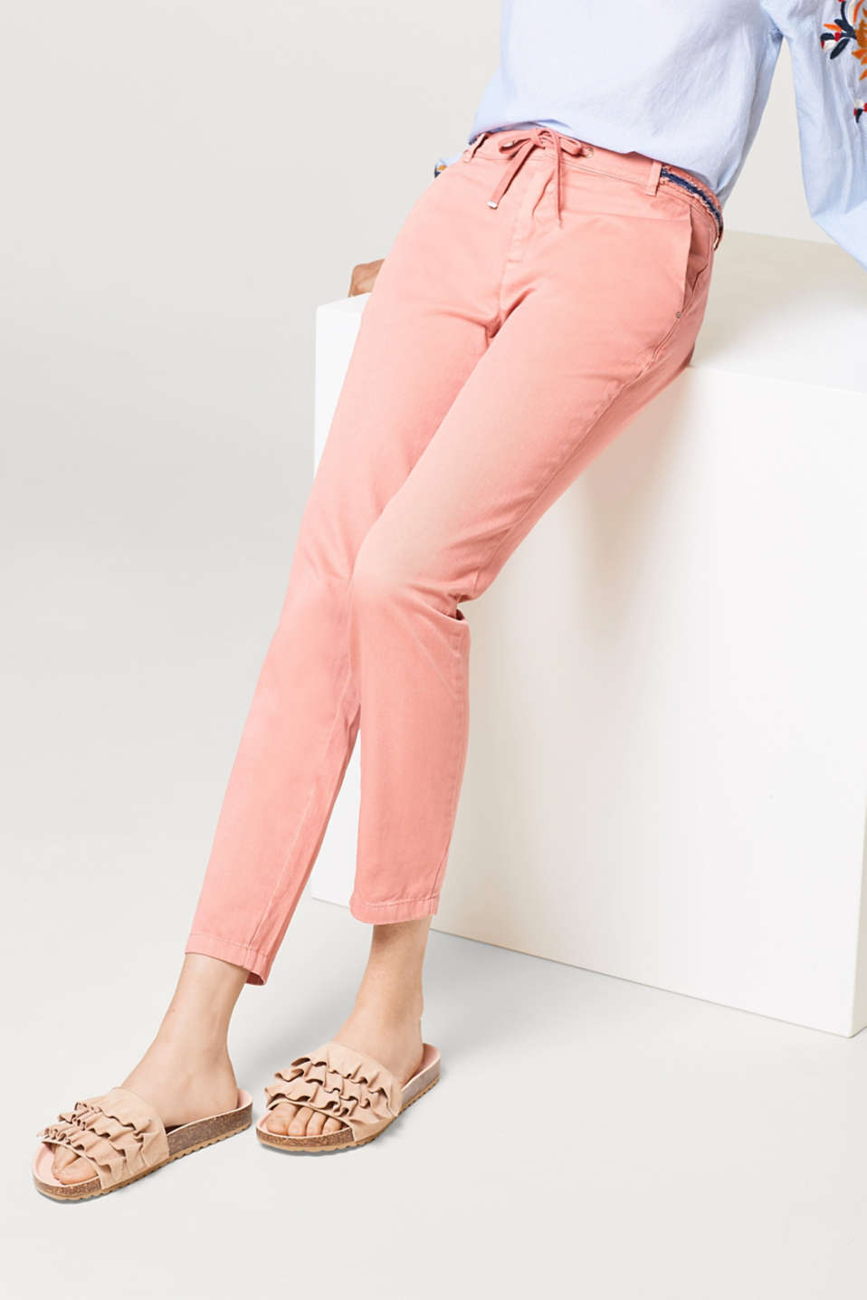Esprit - 100% cotton chinos with an embellished waistband