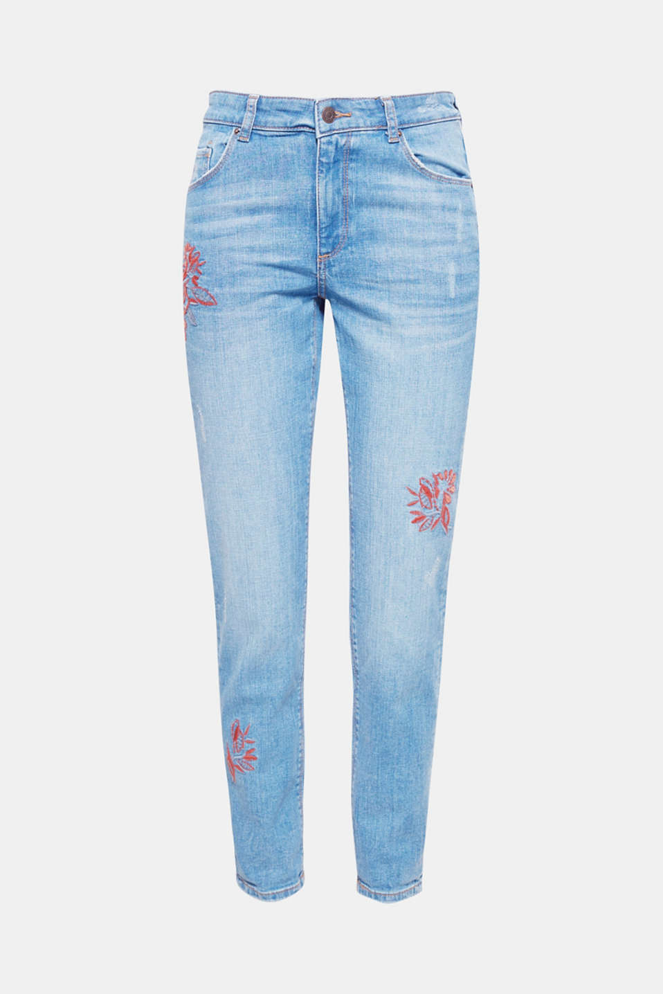 A casual take on embroidery: perhaps as a lavish floral motif on stretch jeans with a loose cut and subtle vintage effects!