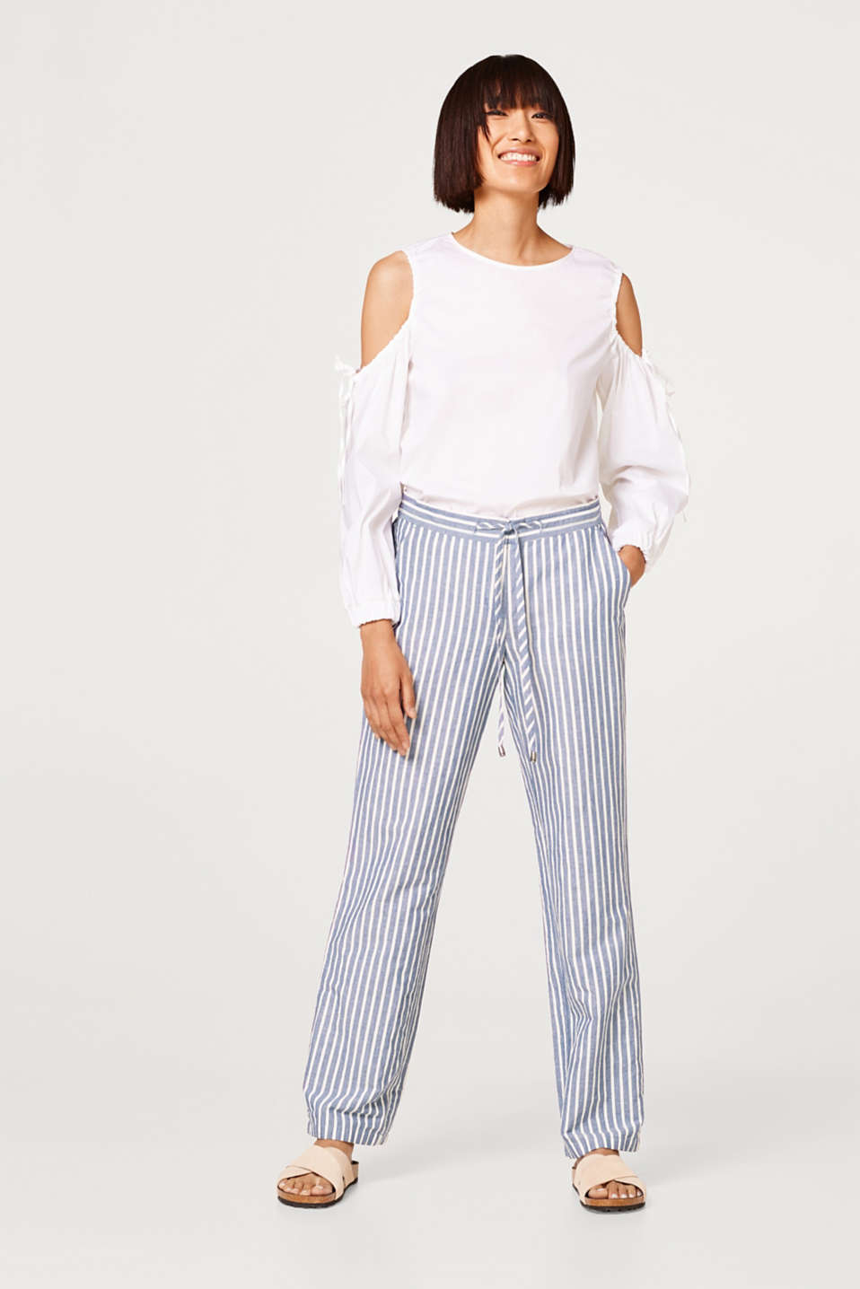 Esprit - Made of blended linen: striped trousers in a loose fit