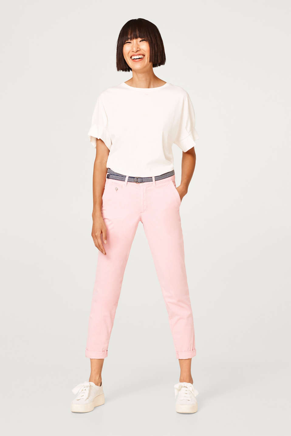 Esprit - Cropped cotton trousers with added stretch and a belt