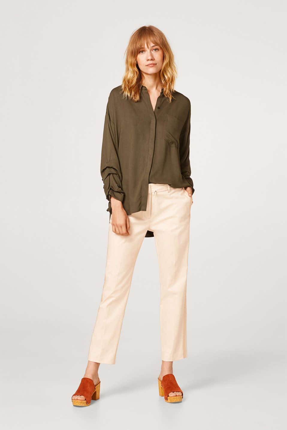 Esprit - Cropped cotton trousers with tuxedo stripes