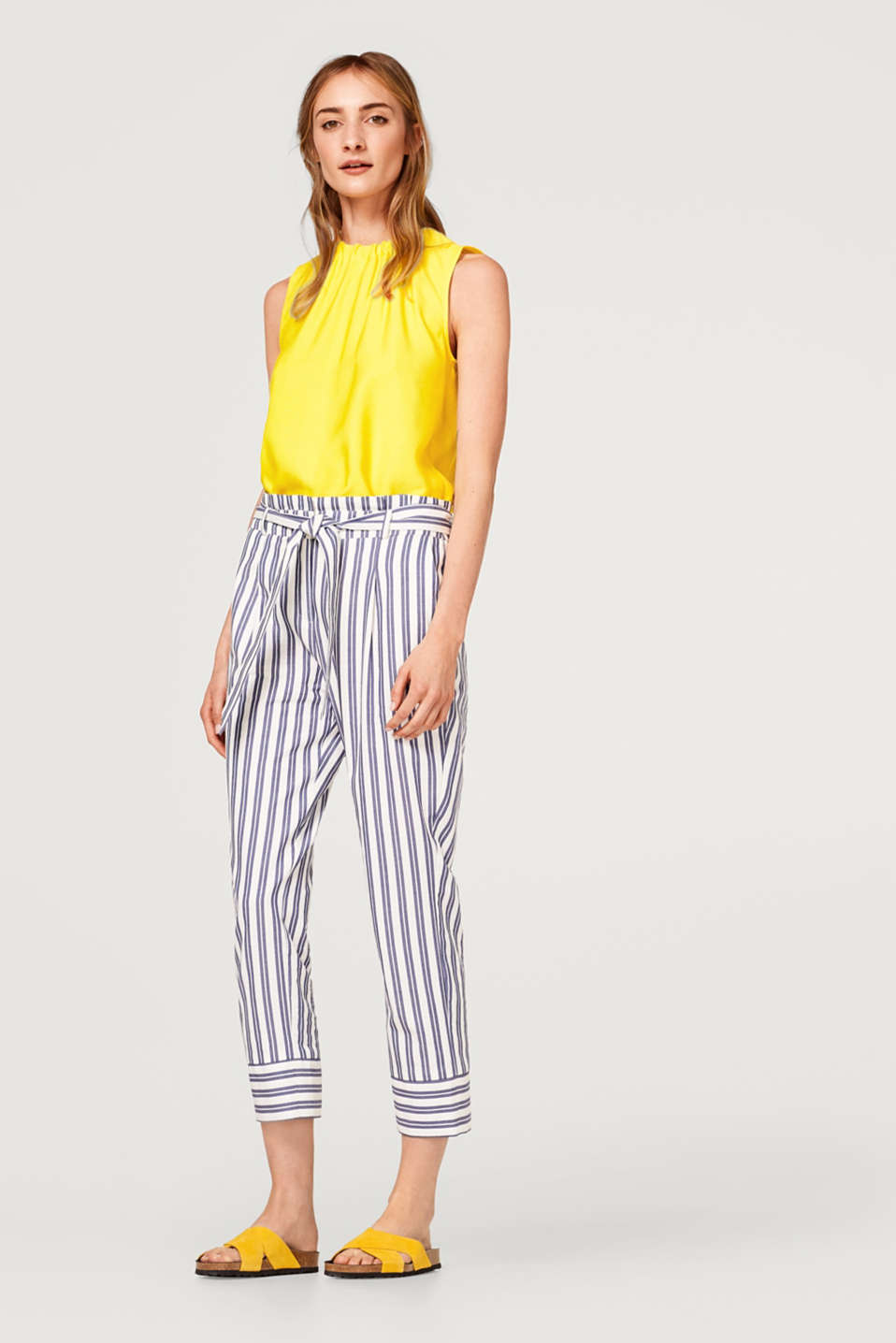 Esprit - Striped paperbag trousers, 100% cotton