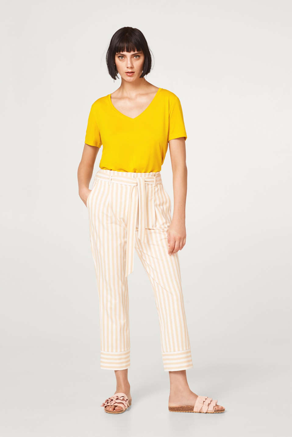 Paperbag trousers with stretch and stripes