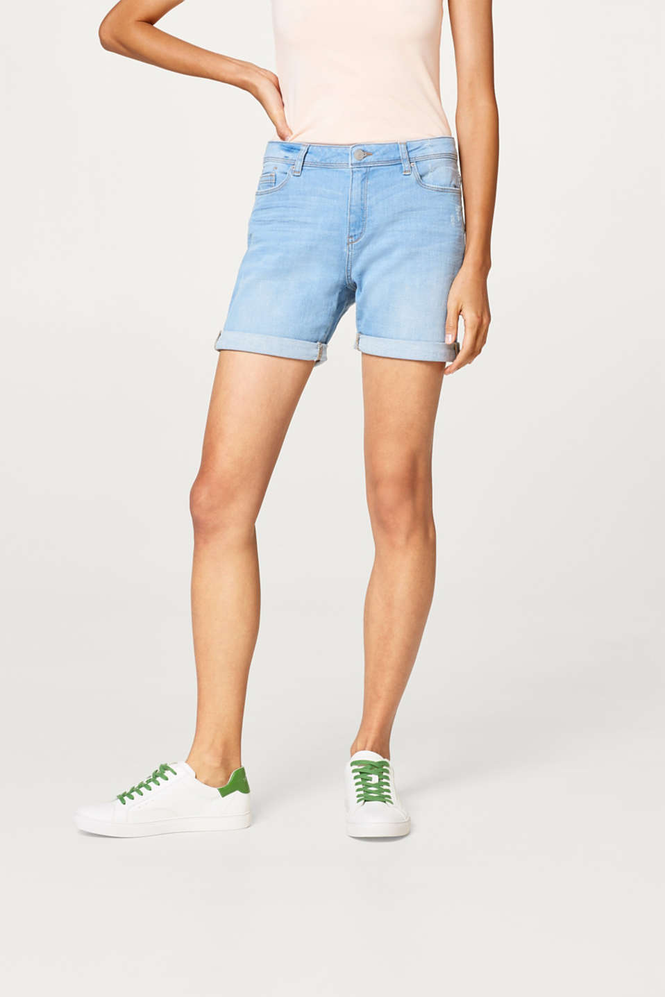 Esprit - Stretch denim shorts with a vintage finish