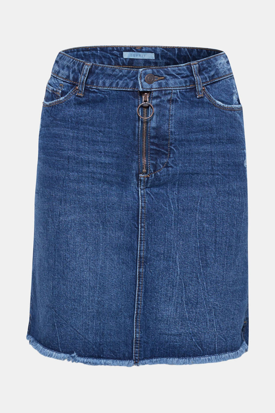 Denim, summery and airy? For sure. Try this short, stretch denim skirt with a flared silhouette and on-trend details for size!