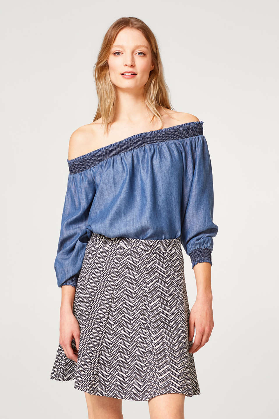 Esprit - Swirling skirt in compact textured jersey
