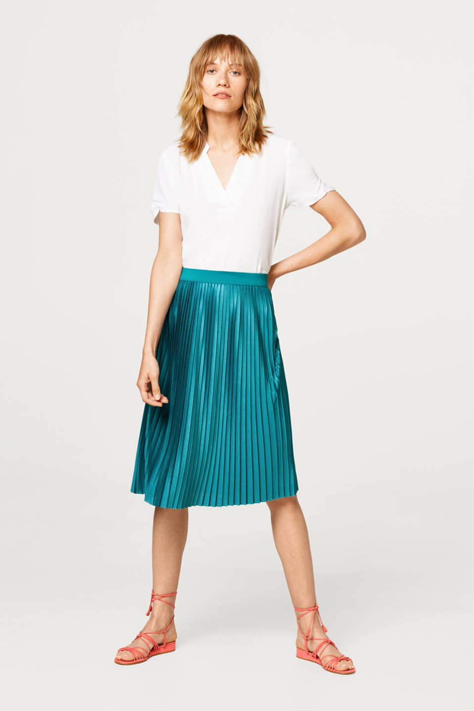 Pleated skirt in shimmery jersey