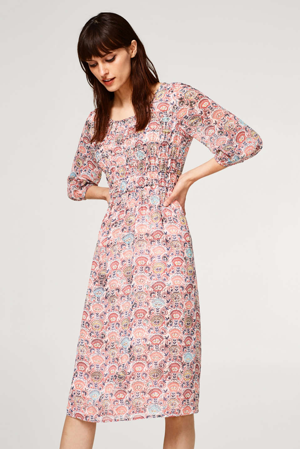 Esprit - Lightweight chiffon dress with a print and smocked effect
