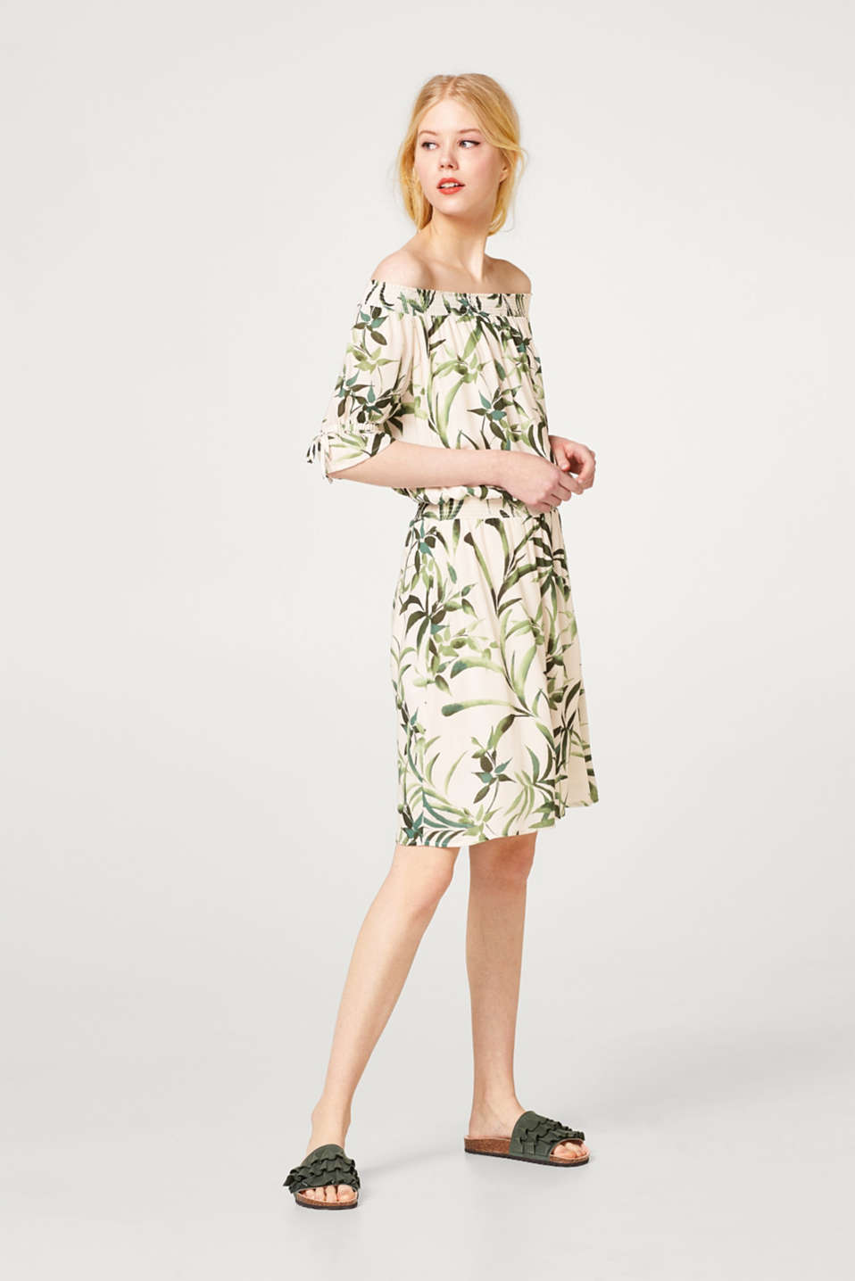 Off-the-shoulder dress with a leaf print