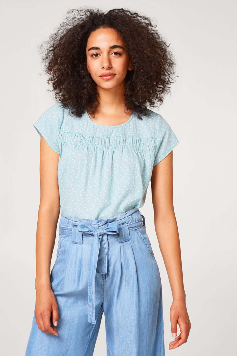 Esprit - Delicate blouse top with a gathered decorative trim