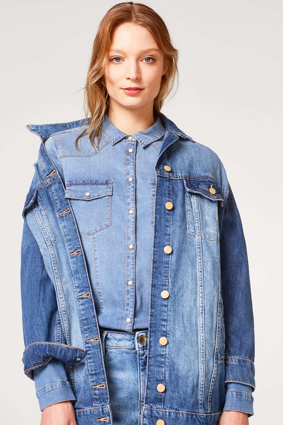 Stretch denim shirt in a fitted cut