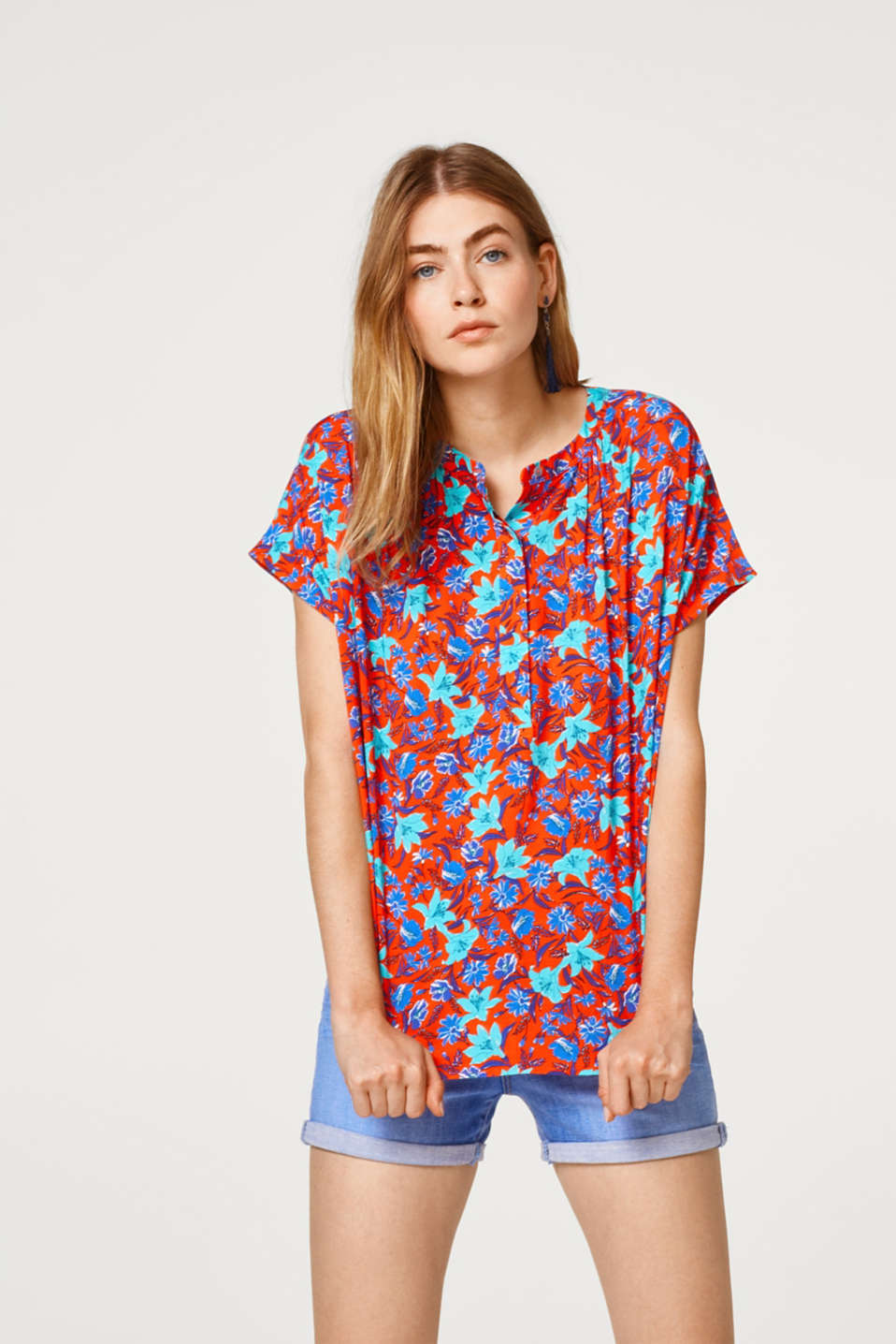 Esprit - Blouse top with a floral print and fine woven polka dots