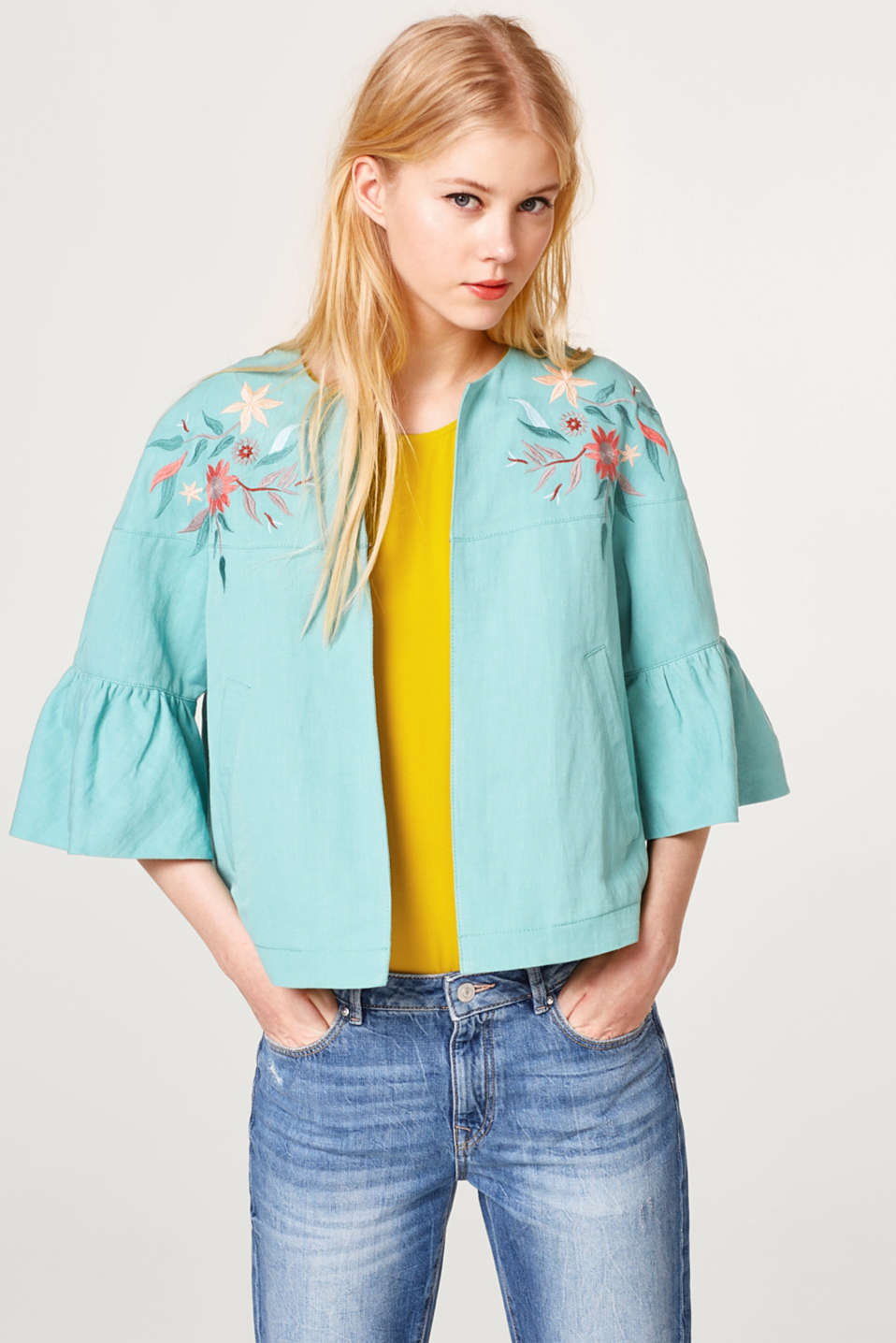 Esprit - Embroidered jacket with linen in a fashionable A-line