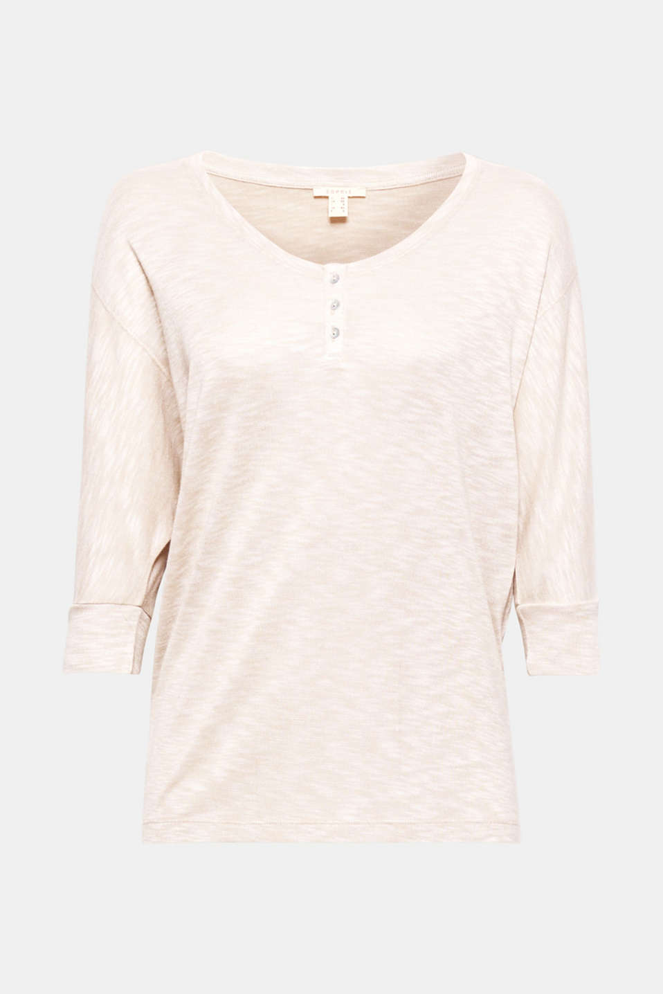 This batwing top in a silky, textured slub jersey with a V-neck and button placket is particularly lightweight, soft and snug!