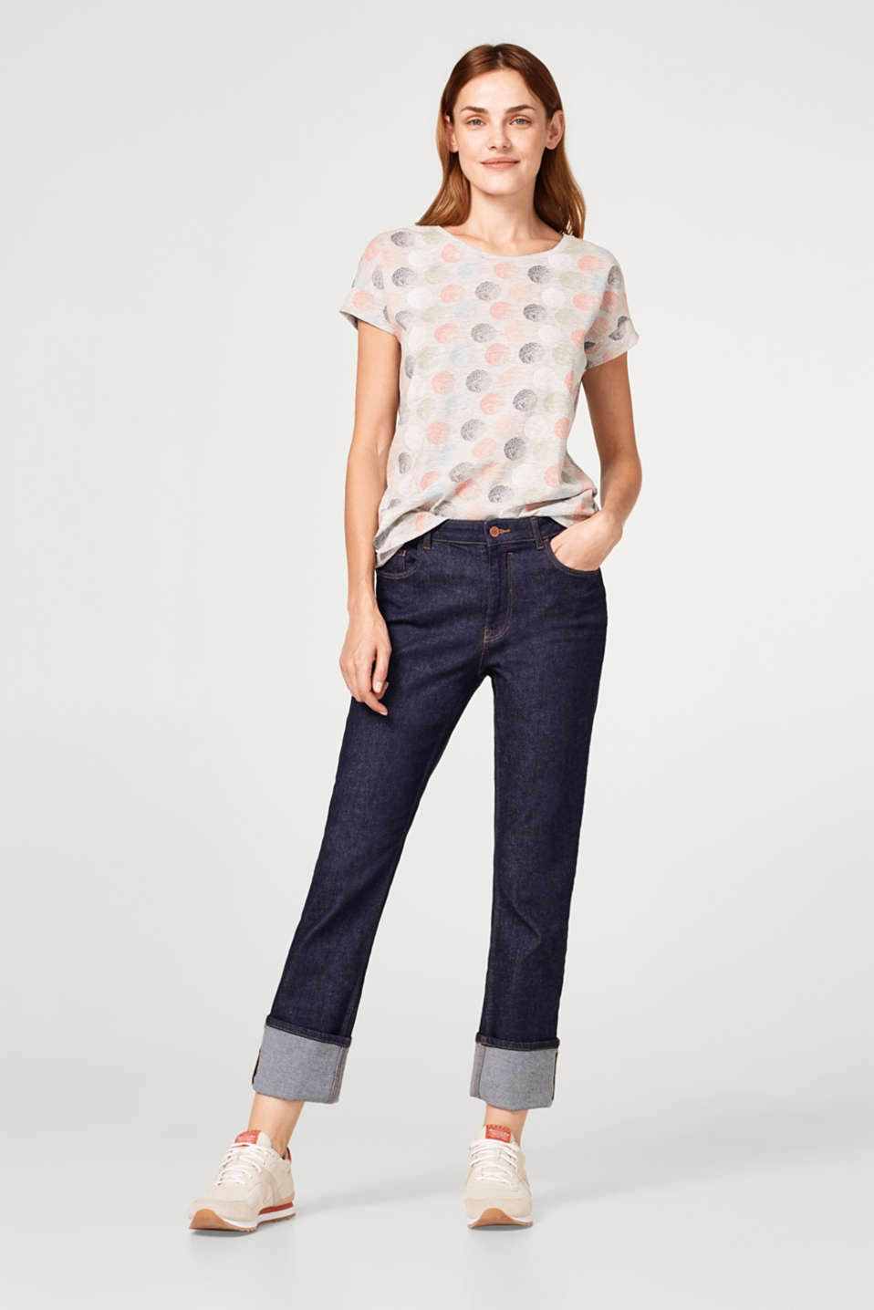 Slub T-shirt with bright graduated polka dots