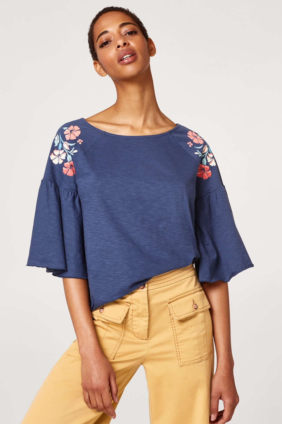 Esprit - Silky slub top with batwing sleeves
