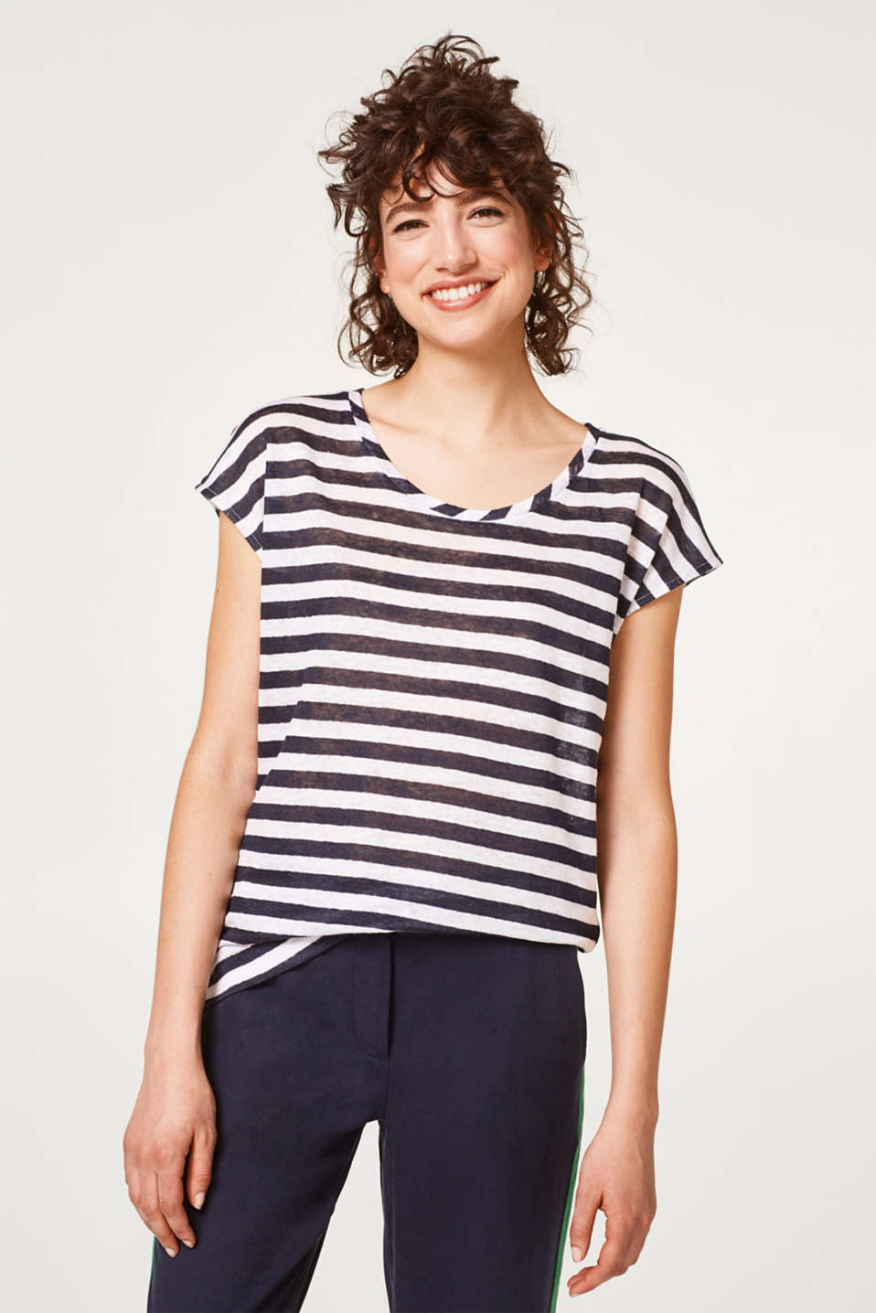 Esprit - Light and airy striped T-shirt in 100% linen