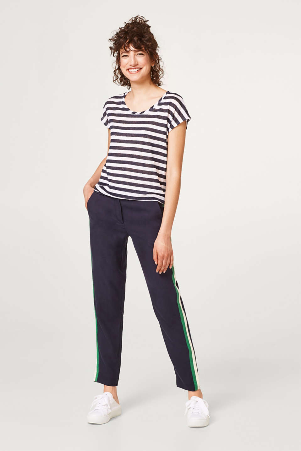 Light and airy striped T-shirt in 100% linen
