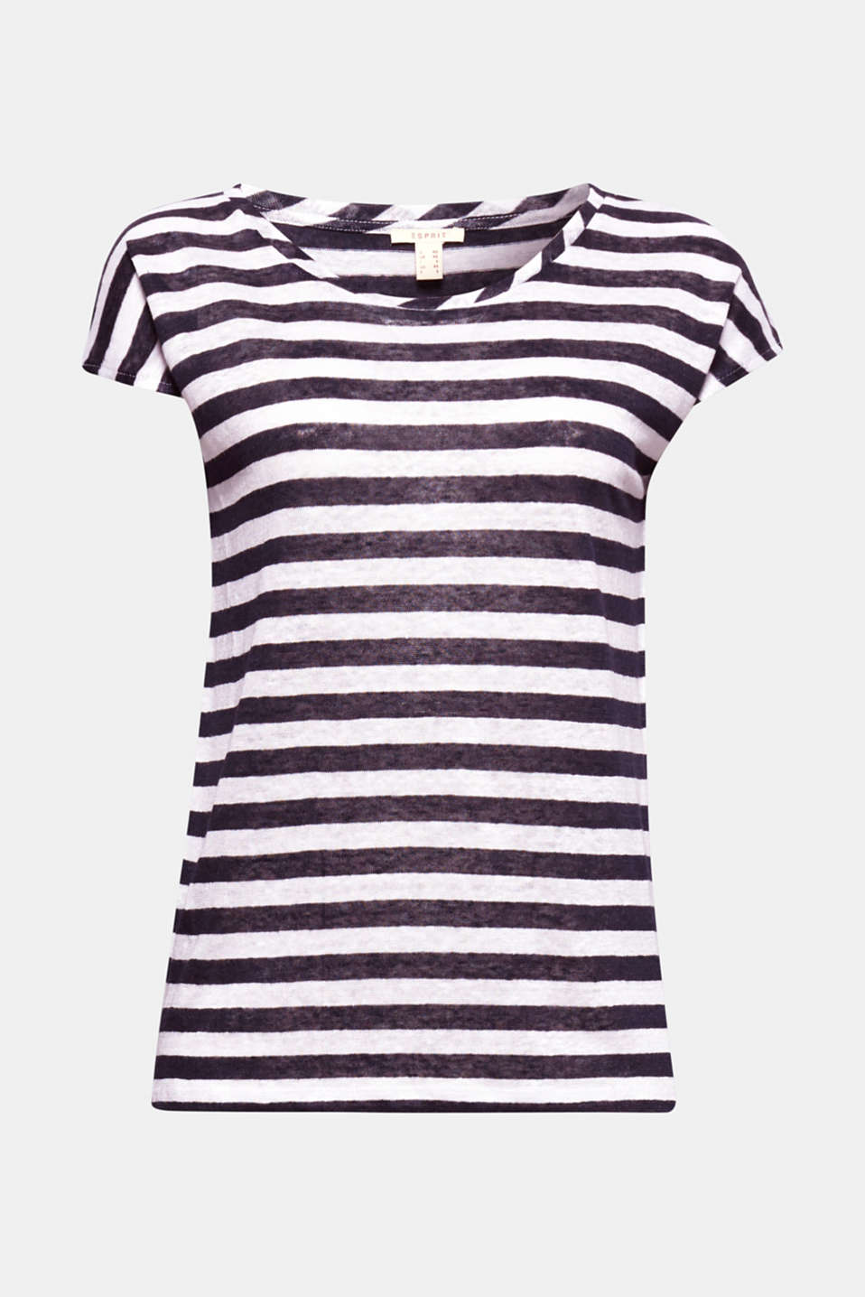 This casual, cool linen T-shirt with nautical stripes feels delicate and light against the skin!