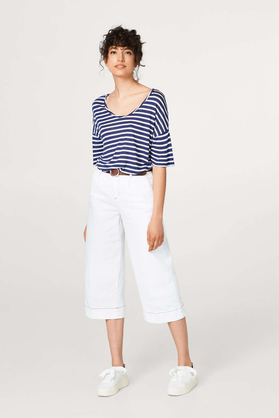 Striped T-shirt with linen and a soft, cool texture