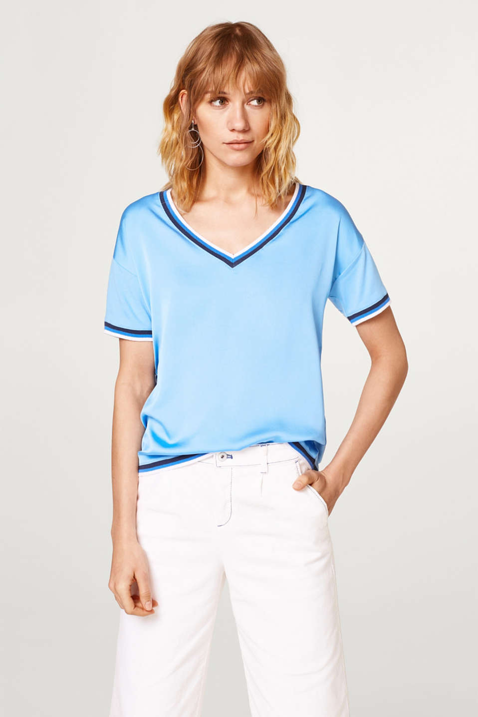 Esprit - Silky material mix T-shirt in a tennis style