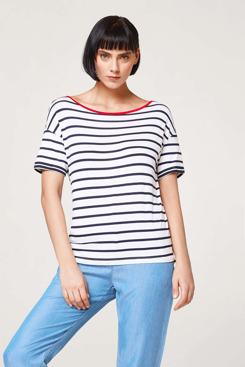Esprit - Loose striped T-shirt with contrast details