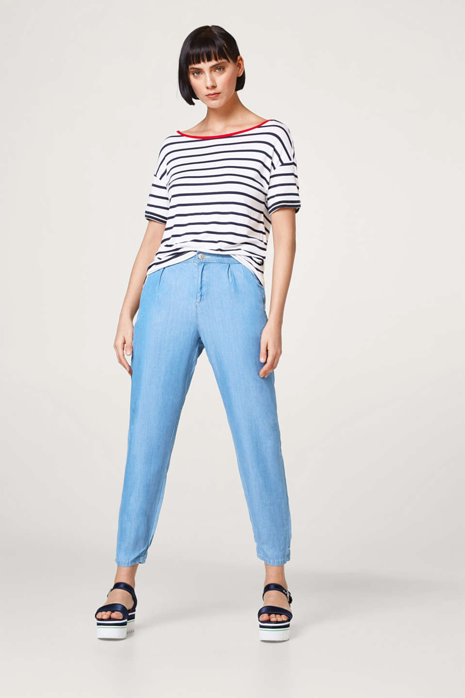 Loose striped T-shirt with contrast details
