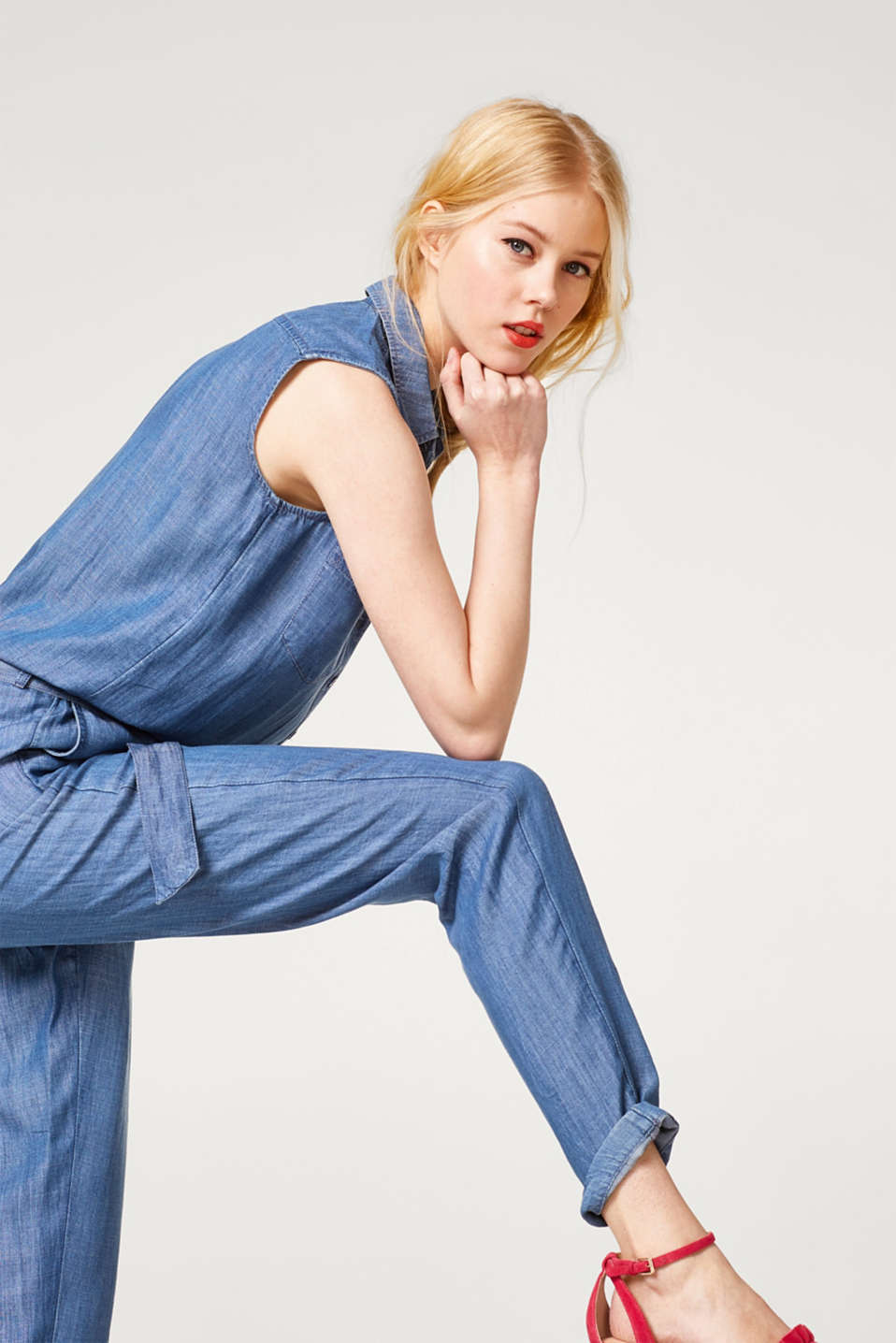 Esprit - Flowing jumpsuit in lyocell with a denim-effect finish