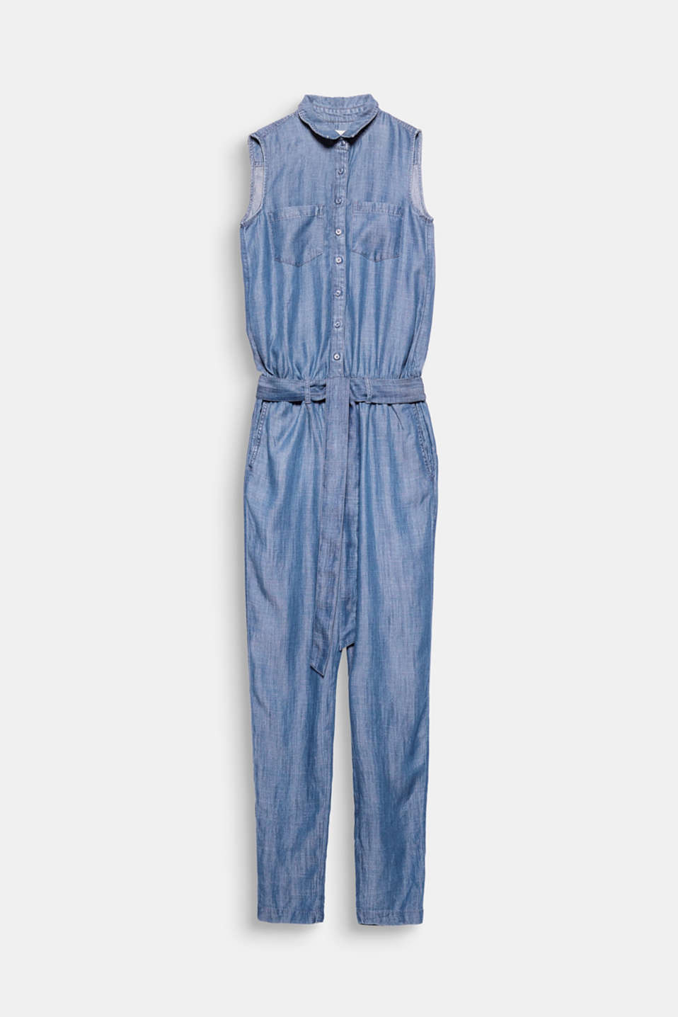 A jumpsuit can be this casual: when it's finished in flowing lyocell with a denim finish and decked out with a shirt collar and tie-around belt!