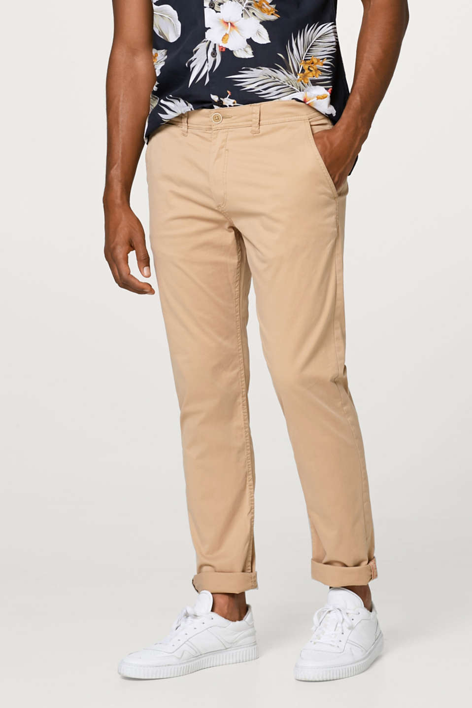Esprit - Stretch chinos in smooth cotton twill