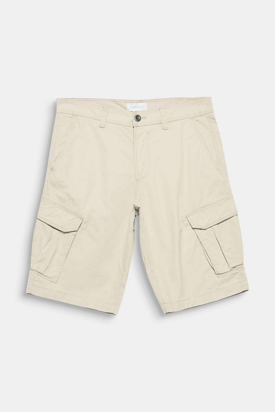 A summer classic: these Bermuda cargo shorts are distinguished by their characteristic bellows pockets.