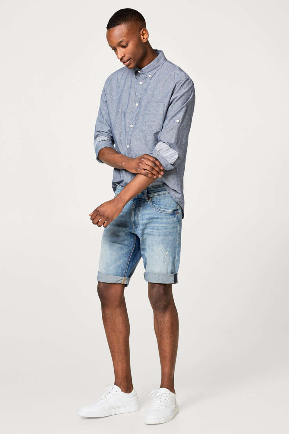Stretch-Jeansshorts mit Used-Effekten